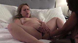 Two slutty lesbians get their freak on in bed