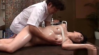 An arousal massage turns to a superb bonking session