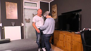 HAUSFRAU FICKEN - Steamy sex with chubby German granny
