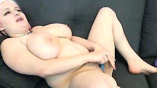 Curvy Midget Fucks Her Pussy On Webcam