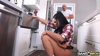 Wild fucking on the kitchen floor with horny Latina Skyla Novea