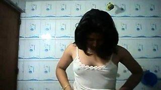 Desi bengali girl Self shoot bathroom she need a dick