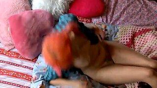 Wild redhead camgirl with a splendid ass makes herself cum
