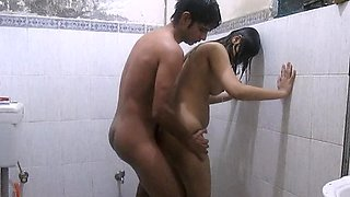 Indian babe fucking in the shower