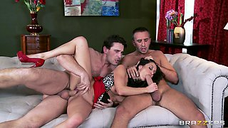 Balls deep anal slaming on the bed ends with facial for Eva Addams