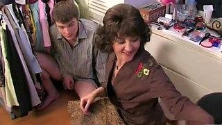 Mom caught son's masturbatsyey her panties ...