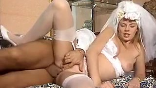 ITALIAN PORN anal hairy babes threesome vintage