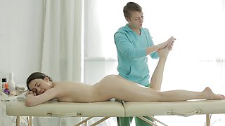 Sweet girl gets pussy massage from her massage therapist