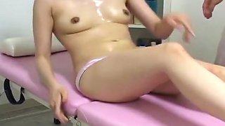 Hidden cam i massage room  five good chicks - 2 of 2