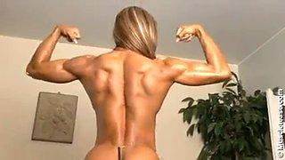 Hot muscular babe