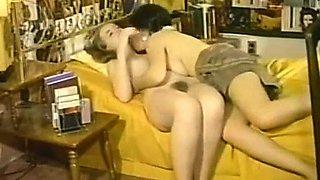 Amateur blonde babe masturbates on cam