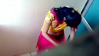 Hidden camera clip with Indian girls pissing in a toilet