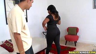Black bitch Dana Dior gets her big booty nailed