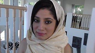SINGLE ARAB MOM GETS FUCKED BY HER NEIGHBOR BBC (SNAP : XXSARAHBABEE)