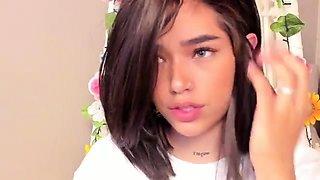 Amateur teen brunette toying