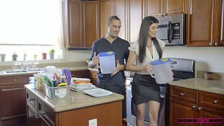 Killing hot stepmom India Summer seduces stepdaughter's boyfriend