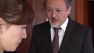 Japanese housewife is intimidated by neighbor (Full: bit.ly/2Odtl7r)