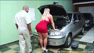 Angel Lima transando com mecânico