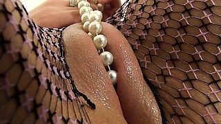Beautiful puffy peach busty babe solo sex