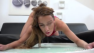Her Crazy Squirting Pussy