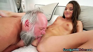 Amateur sweet sugar babe facialized by older