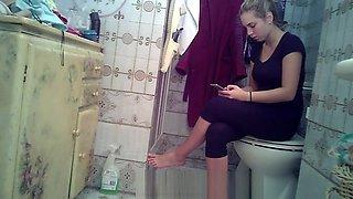 hidden cam toilet teens