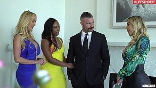 Smoking hot Brandi Love shares a dick with sexy Olivia Austin