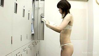 Locker room voyeur finds a slim Asian girl with tiny boobs