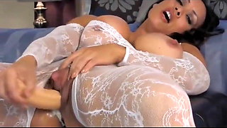 Fit Chick With Big Clit Masturbate With Toy
