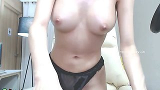 Hot Korean camgirl in sexy lingerie