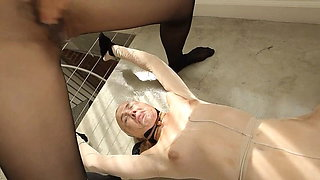 lesbian facesitting squirt domination