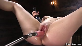 Hot ass brunette fucks machine to orgasm