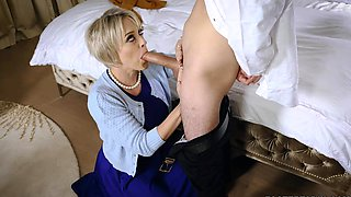 Loving foster mom Dee Williams fucks with new son
