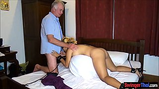 Filipina wife likes to be bound and used by strangers
