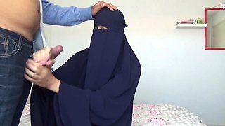 Muslim Teen SISTER in Hijab Creampie - Blowjob and Doggystyle