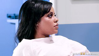 beautiful patient's pussy completely destroyed by horny doctor