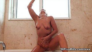 Bath time with Jynn - Jynn - 50PlusMILFs
