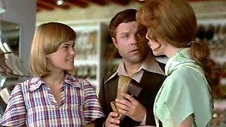 Somaend pa sengekanten (1976)