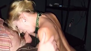 Unbelievably hot wife enjoys the glory hole